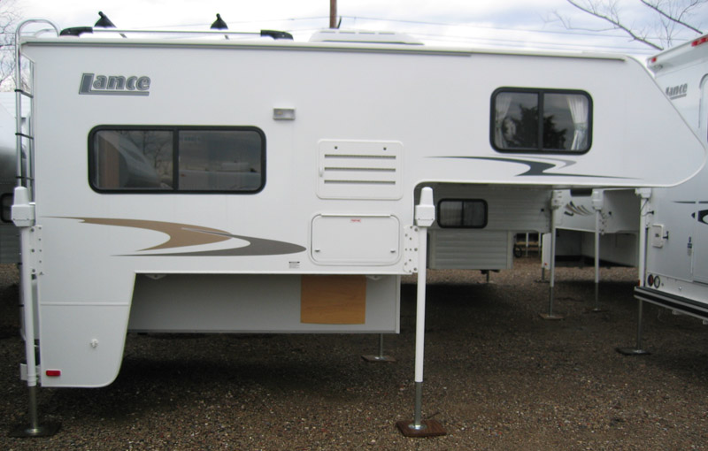 lance-pickup-camper