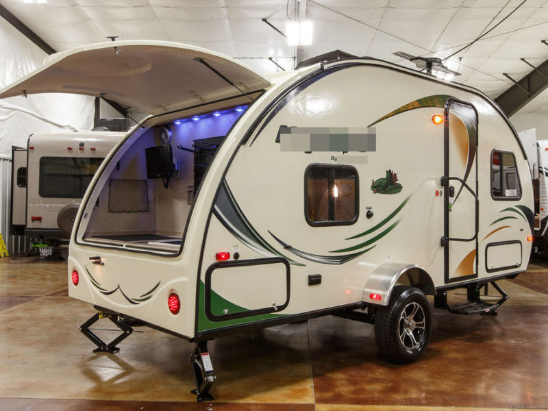 lightweight travel trailers for sale