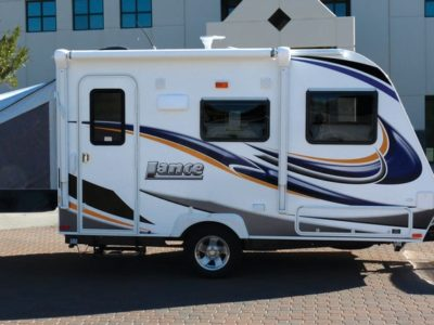 Small rv camper photo gallery for Small camper trailers with bathrooms