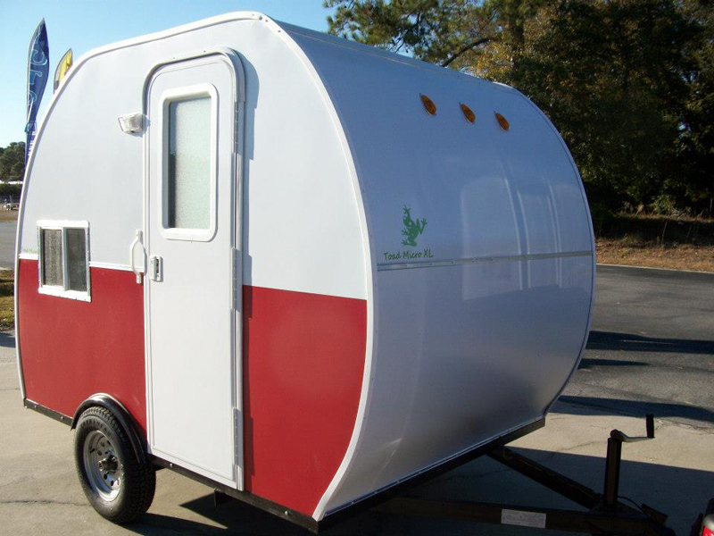 small lightweight travel trailers with bathroom