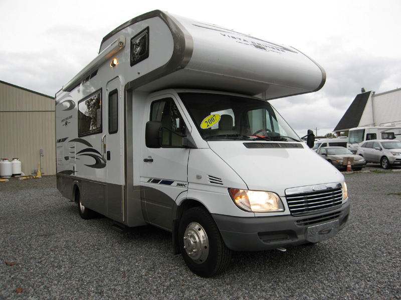 Small rv campers camper photo gallery for Small motor homes for sale
