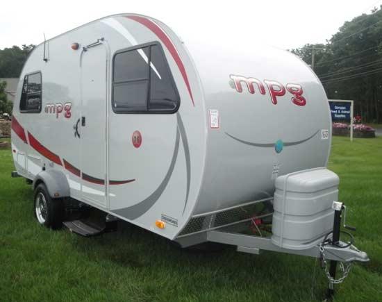 small trailer camper