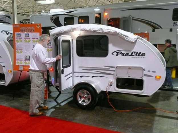 Small Travel Trailers With Bathroom For Sale – Camper Photo Gallery