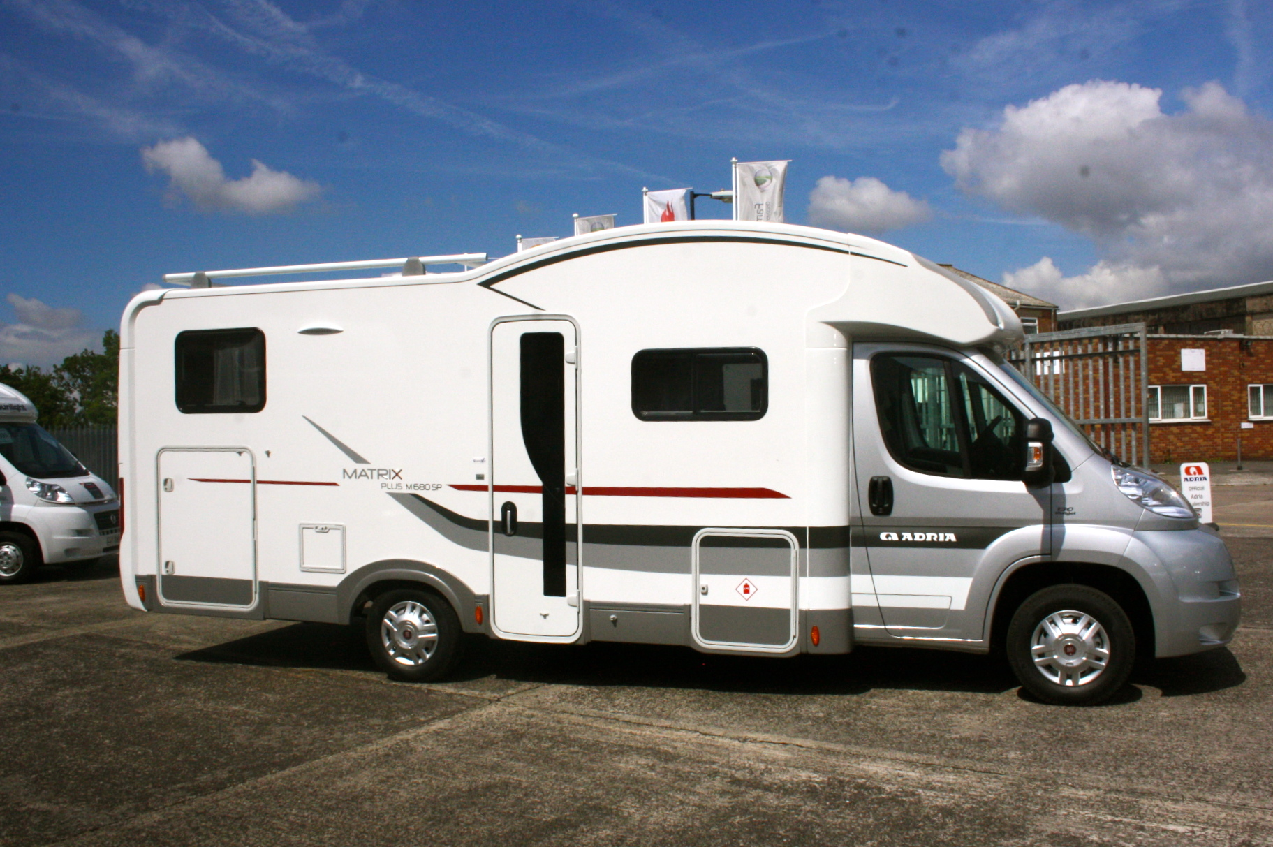 weekend motorhome hire